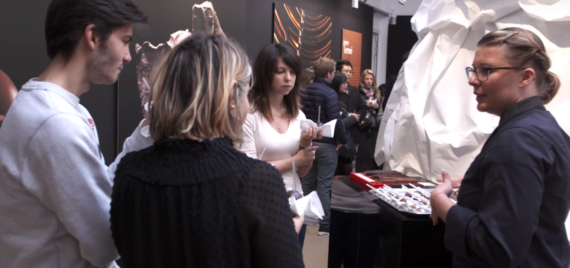 experience chocolat pierre herme exposition espace leon